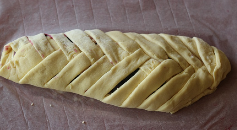 Braided Bread finished - cropped