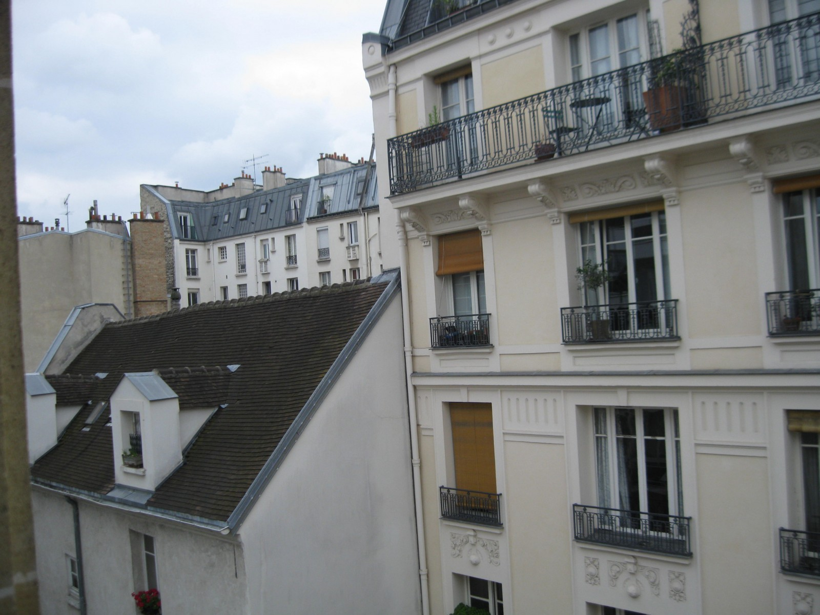 Paris apartment vue